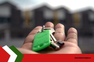 llaves de casa en mano